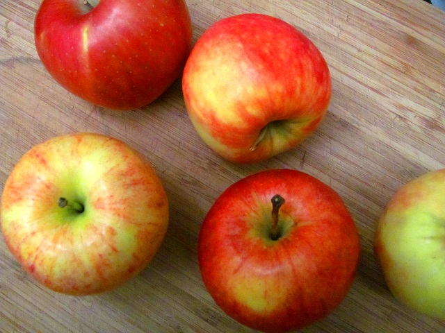 apples, ready to become raw vegan applesauce