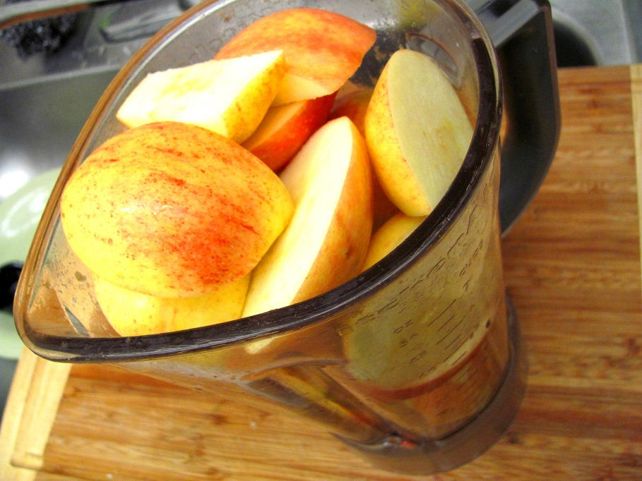 apples chopped loosely, in a blender