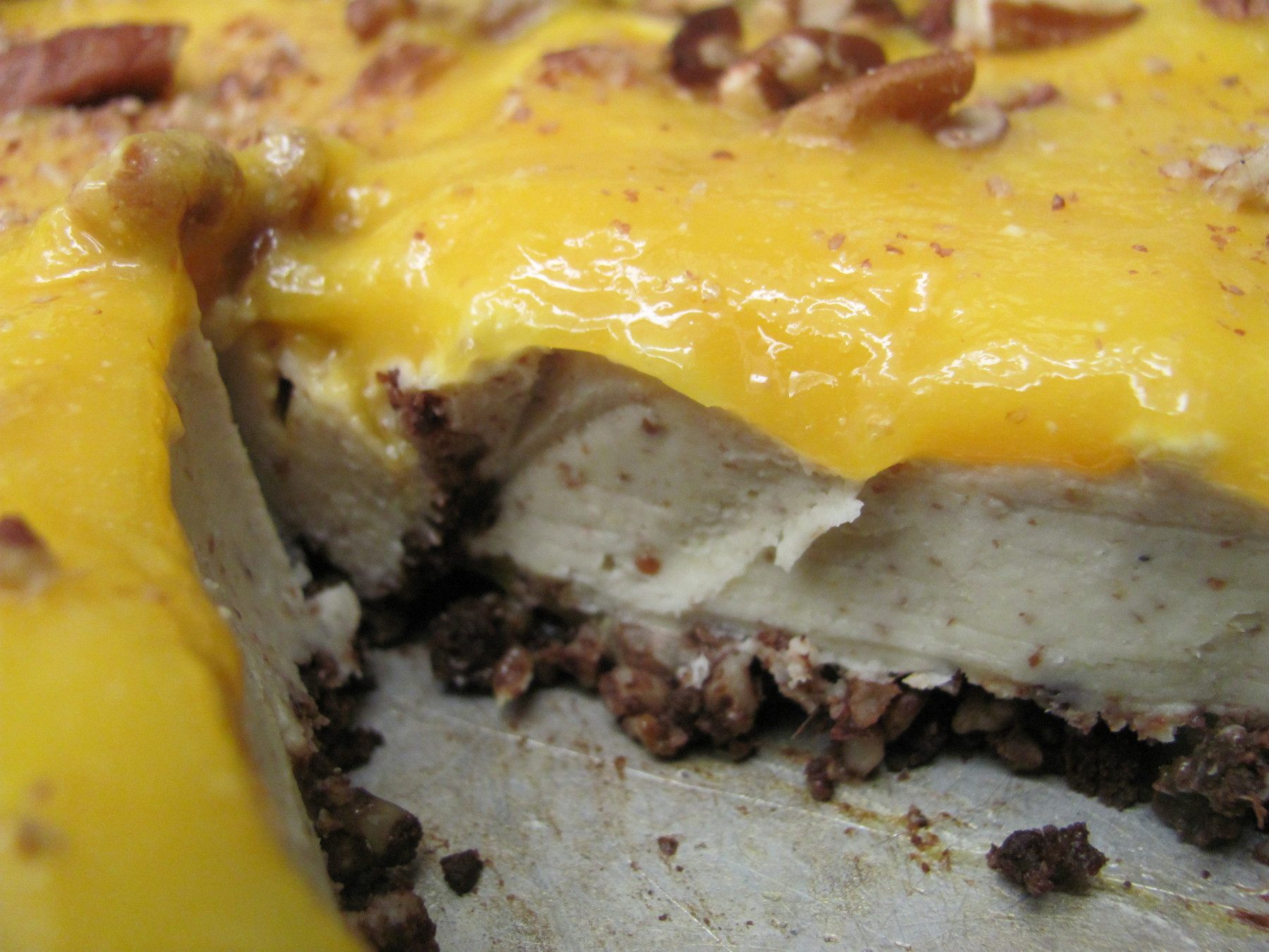 raw vegan cashew mango cheesecake