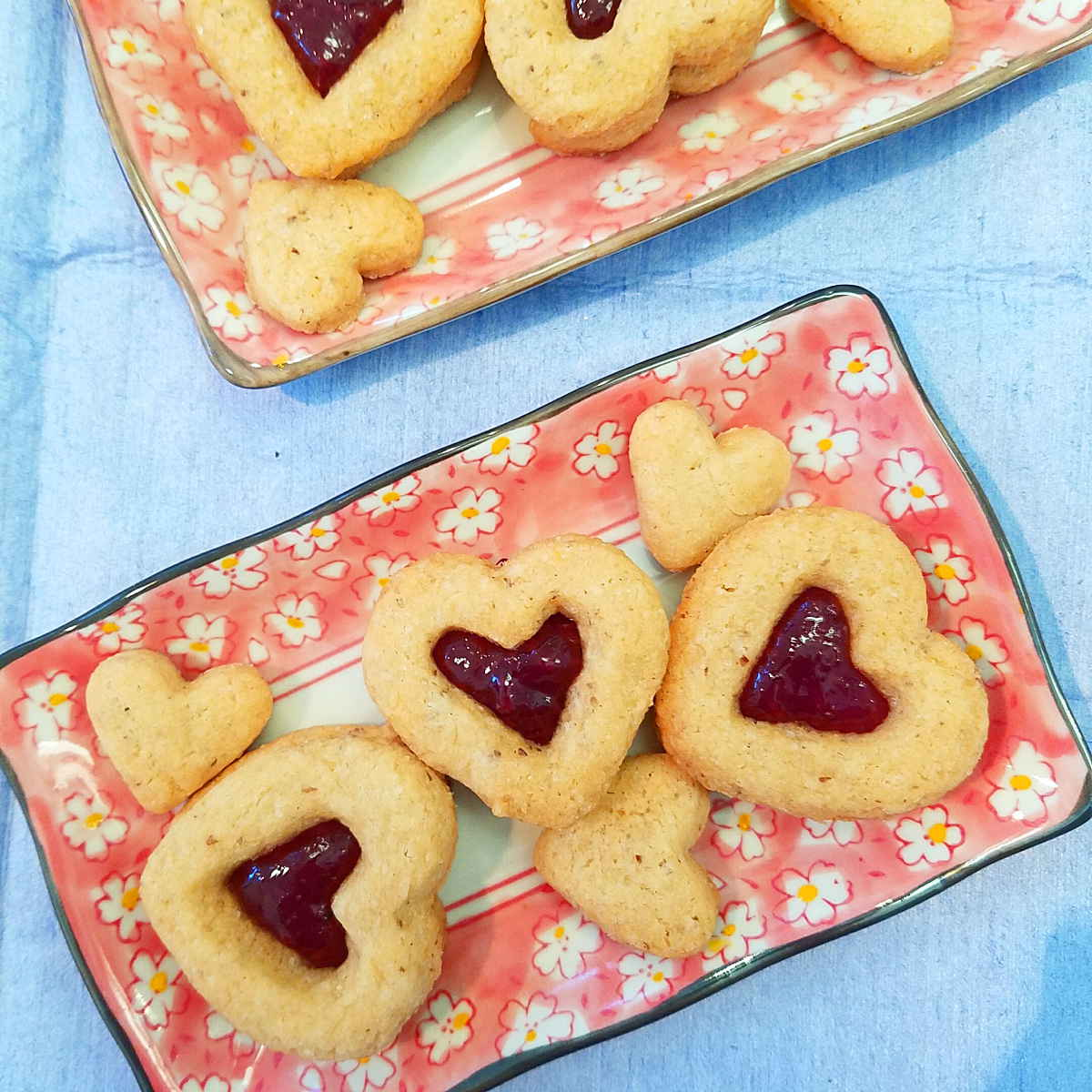 raspbery jam gluten free vegan heart shaped cookies pink