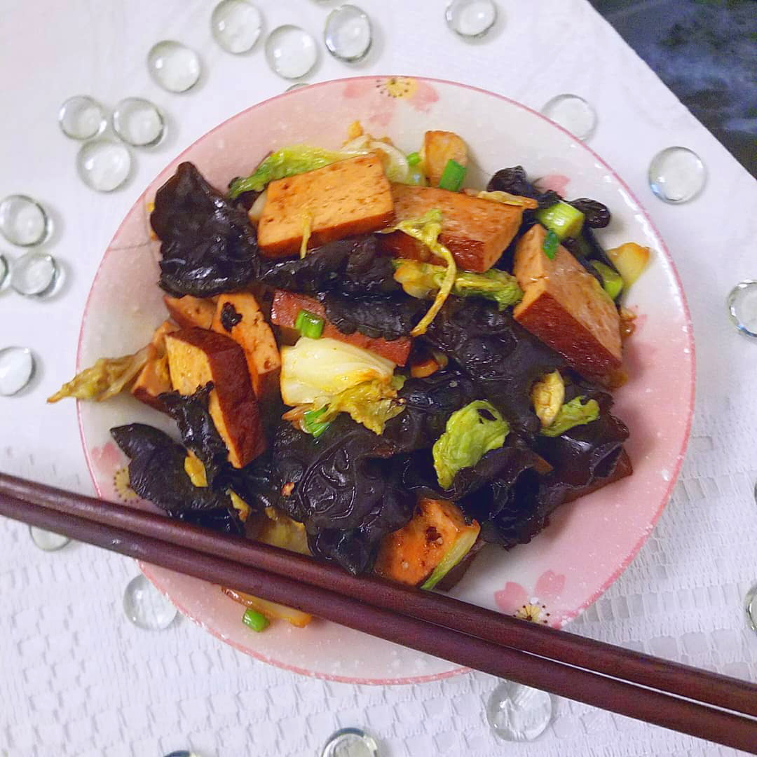 wood ear mushroom and bean curd stir fry